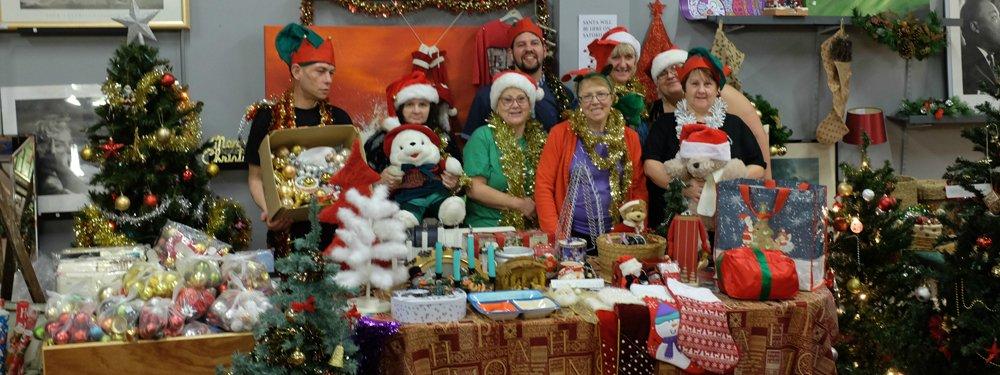 Emmaus Mossley vintage Christmas
